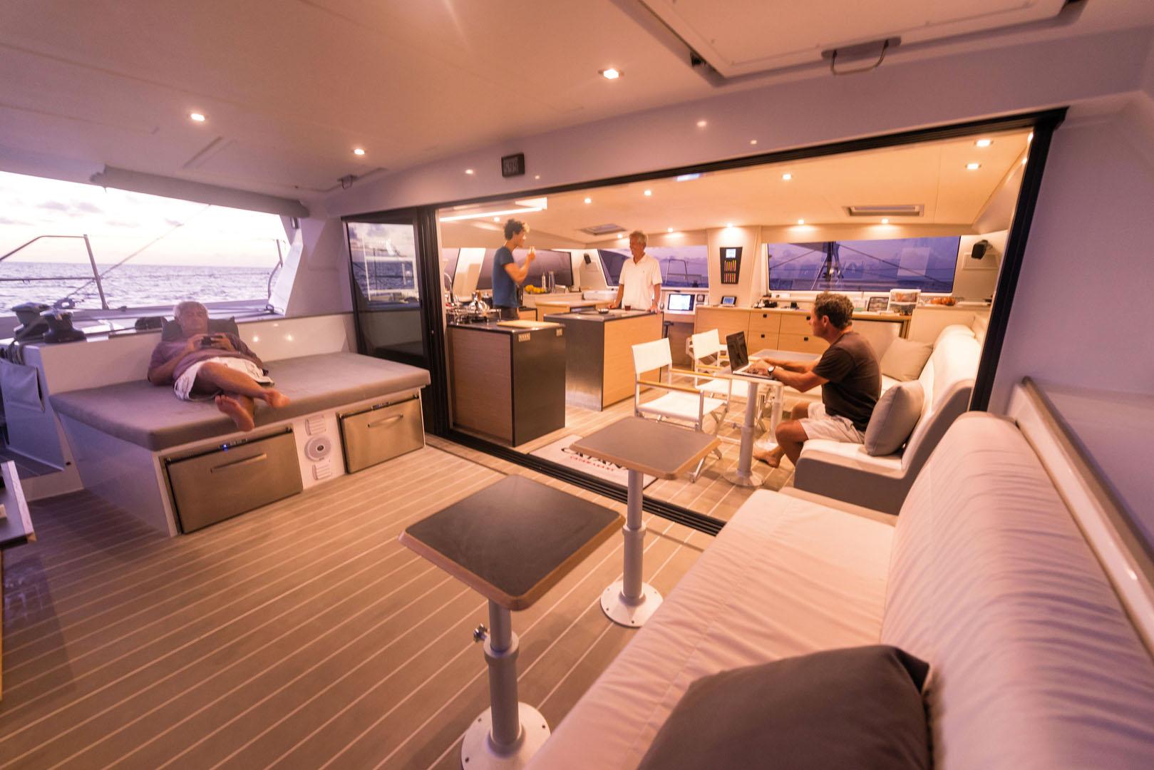 catamaran 18 m