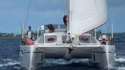 Du rêve à la réalité : histoire d'un tour du monde en catamaran